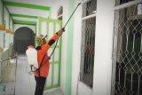 Rumah ibadah di Barito Selatan disemprot desinfektan