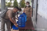 Disdukcapil Gumas sediakan tempat cuci tangan bagi pengunjung