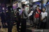 Warga Jakarta masih bandel berkerumun, Polda Metro gencar bubarkan cegah Corona