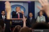 Trump sebut warga Asia-Amerika jangan disalahkan soal virus
