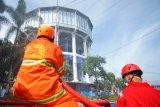 Fasilitas umum Kota Magelang disemprot disinfektan