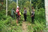Tak patuhi imbauan, Polsek Tanjung Baru Tanah Datar bubarkan warga yang sedang berburu babi (Video)