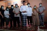 Presiden Jokowi ingin rakyat doakan ibundanya dari rumah masing-masing