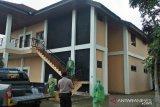 Pemkab Gowa semprotkan disinfektan di vila Idrus Paturusi