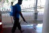 Asrama Haji Sudiang Makassar disemprot desinfektan cegah COVID-19