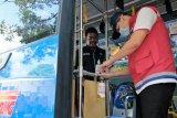 Pertamina bantu 250 liter cairan pembersih tangan untuk Trans Semarang
