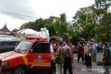 One patient from Bukittinggi had tested positive for COVID-19 at RSAM, one PDP from Solok Selatan died
