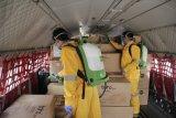 Pesawat bawa alat kesehatan untuk tangani COVID-19 tiba di Lanudsri Manado