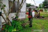Bantu Gugus Tugas COVID-19, personel Kodim 1012 Buntok semprot desinfektan di Bartim
