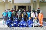 Gugus Tugas di Puncak Jaya lakukan penyemprotan cairan disinfektan cegah Corona