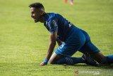 Penyerang Persib Bandung Wander Luiz positif corona