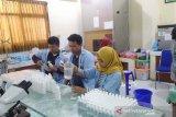Unisri Solo produksi cairan pembersih tangan untuk masyarakat