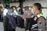 Penumpang KA pemberhentian Semarang diminta isi formulir bersedia mengisolasi diri