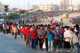 Kereta api di India hantam pekerja migran yang tidur di rel