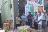 Legislator Kapuas salurkan bantuan sembako untuk Satgas Covid-19