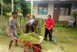 Bhayangkari bersihkan asrama Polsek Demta cegah corona
