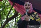 Tempat isolasi Bupati Karawang Cellica Nurrachadiana dipindah ke RSUD
