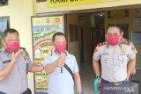 Polres Ogan Komering Ulu bagikan  masker kepada jurnalis