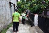 LDII Padang semprotkan cairan disinfektan antisipasi penyebaran COVID-19
