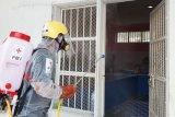 PMI Sulsel kembali semprotkan disinfektan di Rutan Makassar