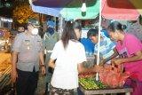 Tim Satgas bubarkan PKL di Kota Jayapura