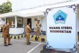 Bupati Bantaeng memantau ruang steril disinfektan