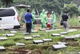 Sebanyak 639 jenazah di Jakarta sudah dimakamkan sesuai prosedur COVID-19