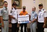 Jasa Raharja berikan bantuan sarana kesehatan di Terminal Tirtonadi Surakarta