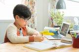Pengguna aplikasi belajar daring melonjak lebih dari 100 persen