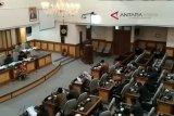 VIDEO- DPRD Kulon Progo tunda tetapkan Wabup