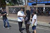 PWI Lampung bagikan masker dan cairan pembersih tangan