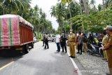 Bupati Poso kunjungi wilayah perbatasan bagikan APD