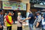 Ketua DPRD Pangkep serahkan bantuan APD untuk Puskesmas