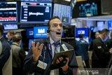 Wall Street tumbang,  kecemasan terhadap corona kian dalam