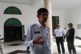 Wali Kota Baubau sumbangkan gajinya dua bulan bantu penanganan COVID-19