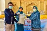 PKK Sulsel salurkan bantuan 7.500 paket kebutuhan pokok di Makassar