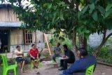 Seorang WNA Thailand dalam pengawasan Imigrasi Atambua dan petugas kesehatan