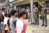Keluyuran saat wajib belajar di rumah, 61 pelajar diamankan Satpol PP Kota Solok