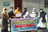 Produksi sendiri, SMKS 2 Kosgoro Payakumbuh bagikan masker dan hand sanitizer secara gratis