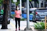 KCI wajibkan penumpang pakai masker  mengikuti seruan gubernur