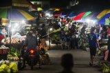 Aktivitas Pasar Tumpah Di Palangka Raya Tetap Berjalan