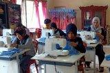 BLK dan Karang Taruna Kabupaten OKI produksi seribu masker perhari