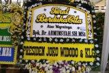 Meninggal kecelakaan di Tol Jagorawi, karangan bunga ucapan belasungkawa penuhi kediaman Wakil Jaksa Agung Arminsyah