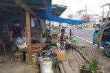 Pedagang pasar di Mitra gelar jualannya di rumah
