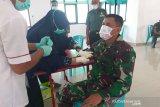 Pasukan TNI Korem Tadulako donorkan darah bantu pasien COVID-19