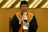 Presiden Jokowi saksikan ucap sumpah Ketua MA Syarifuddin