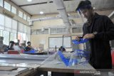 Mahasiswa Poltek Sriwijaya produksi pelindung wajah bagi tenaga medis