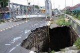 Pemasangan jembatan bailey