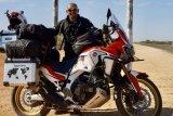 Penjelajah Indonesia eksplorasi benua Australia dengan sepeda motor