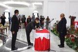 Ridwan Rumasukun dilantik sebagai penjabat Sekda Papua